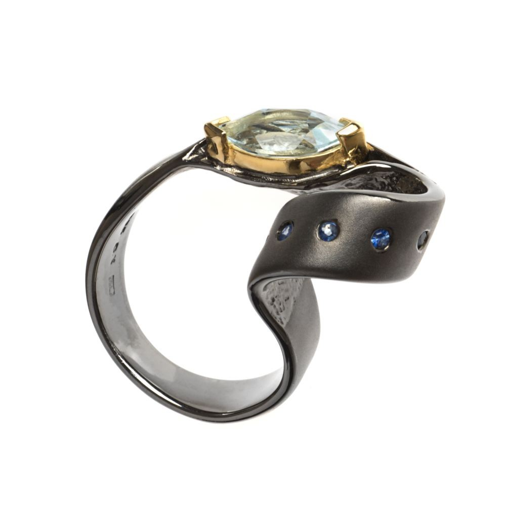 K101040 German Kabirski pierścionek z szafirem
