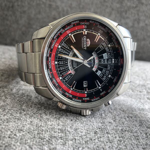 zegarek  na brasolecie