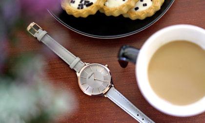 Jesienne trendy – jaki zegarek warto założyć?